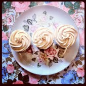 Vanilla Spiced Cupcakes, free of gluten, soy, and nuts!